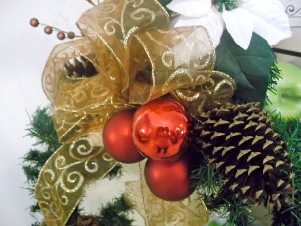 ornaments, garland, apples, ribbon, berries, candles, poinsettas, pinecones