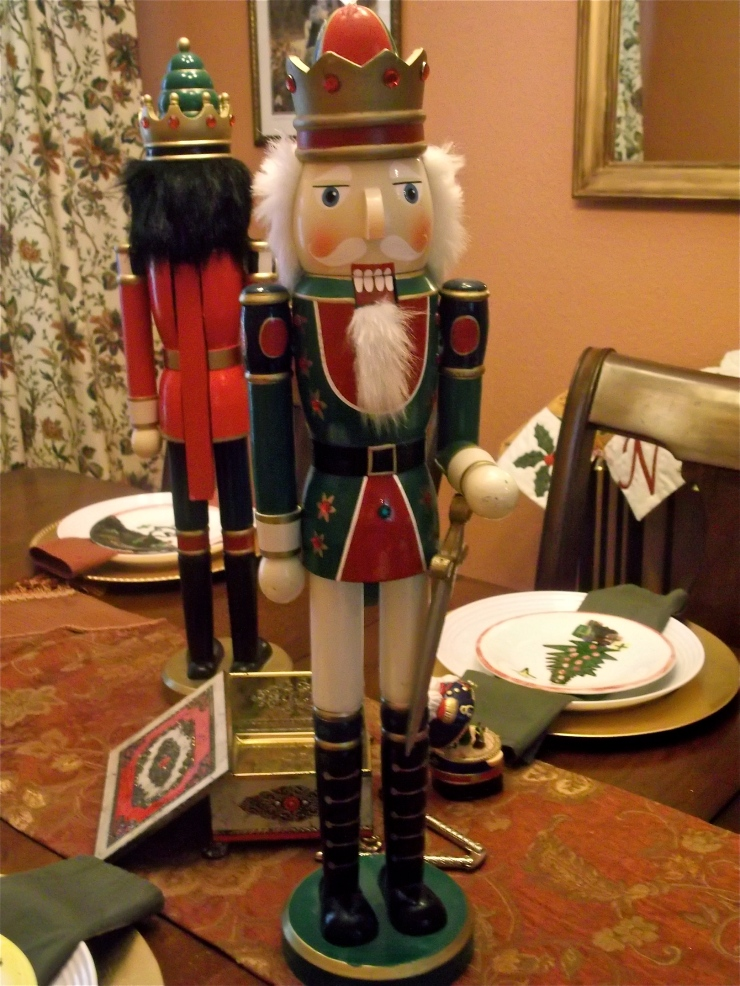vignette, tablescape, nutcracker, holiday, decor, Christmas