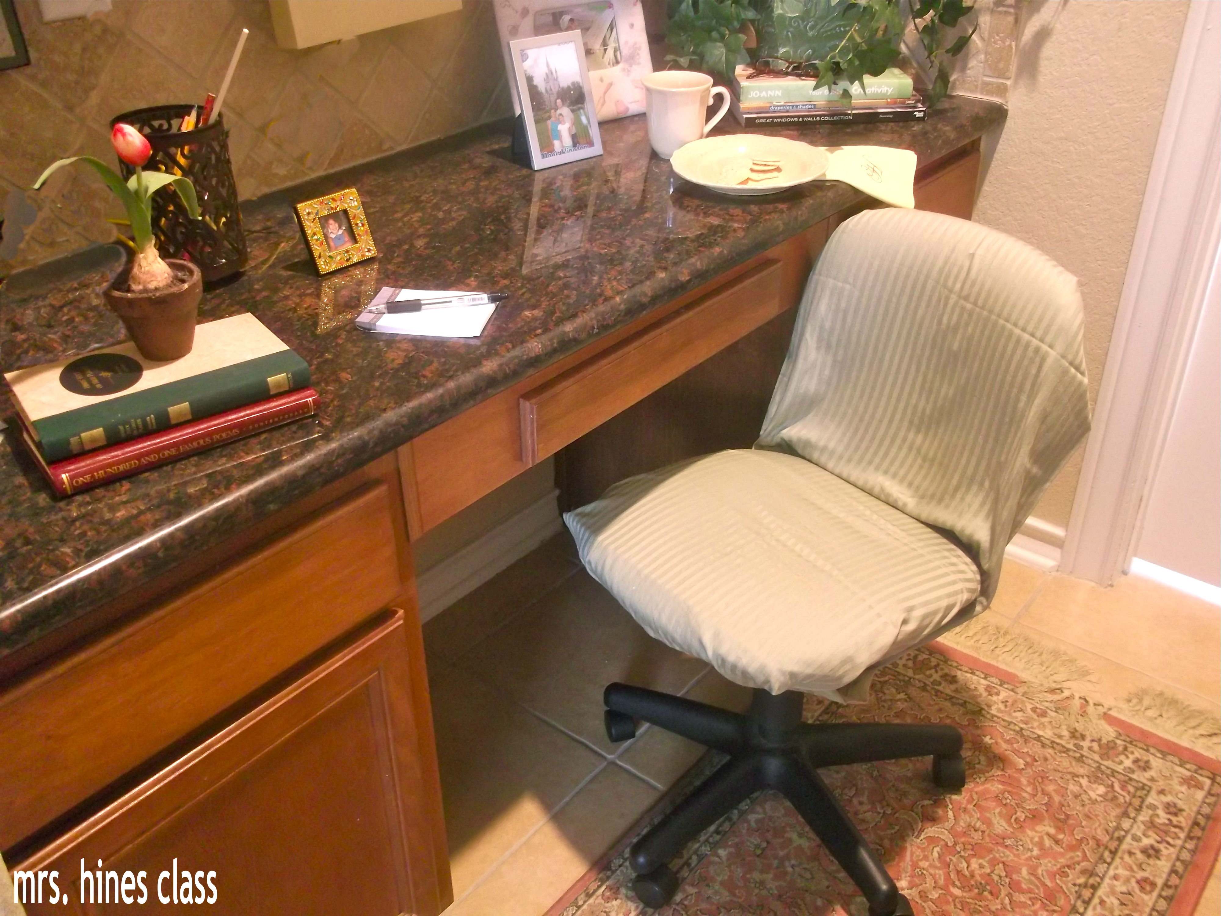 Southern Living Inspired Home Office / Home Decor / www.sharonehines.com