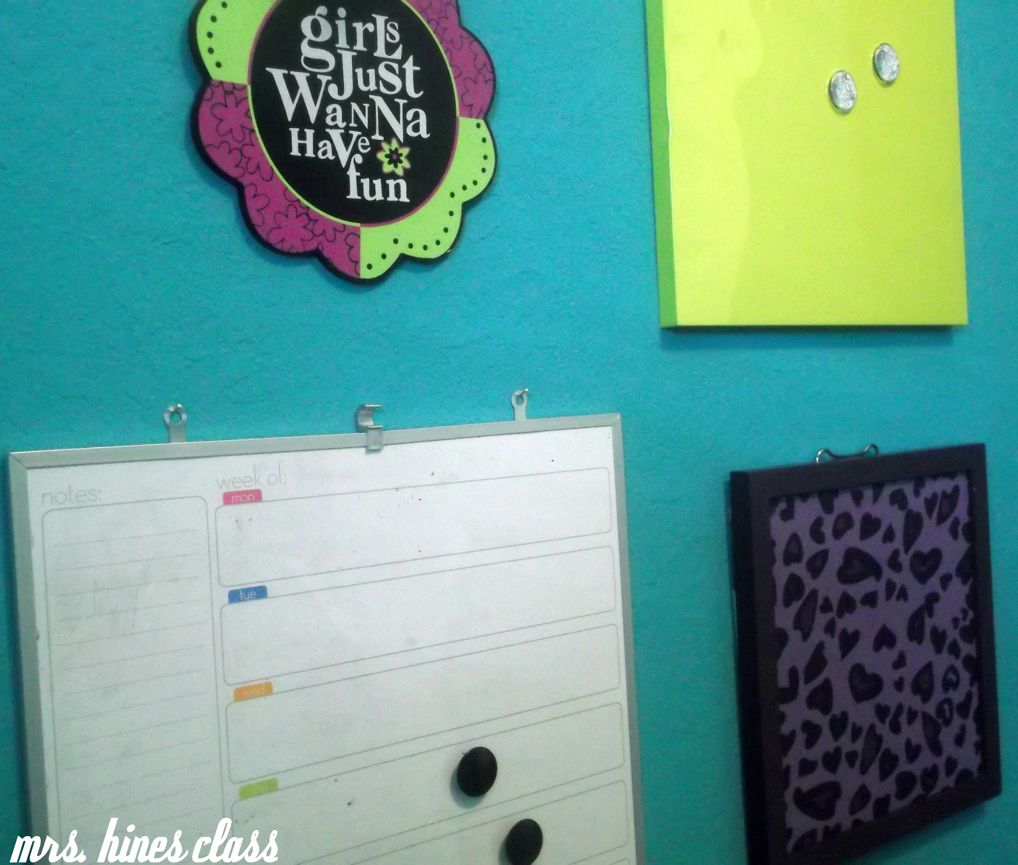 teen, room, bulletin board, dry erase, wall, decor, home, bedroom, message, magnetic board, cork board, purple, teal