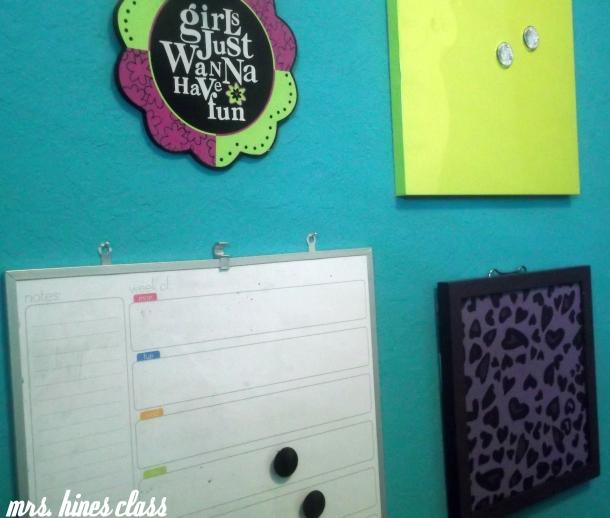 teen, room, bulletin board, dry erase, wall, decor, home, bedroom, message, magnetic board, cork board, purple, teal