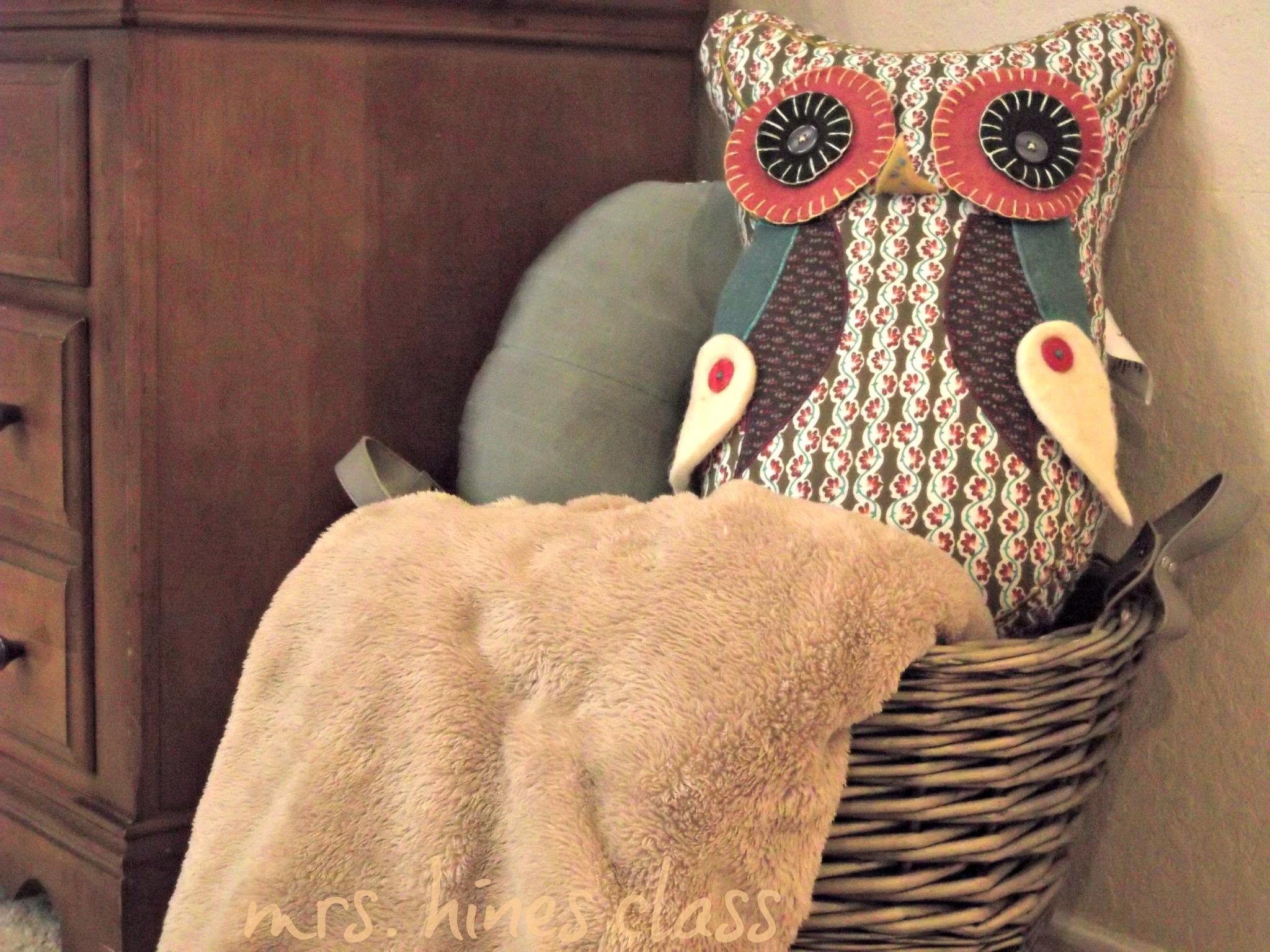 stuffed owl, blankets, decorative pillow, basket, fall, autumn